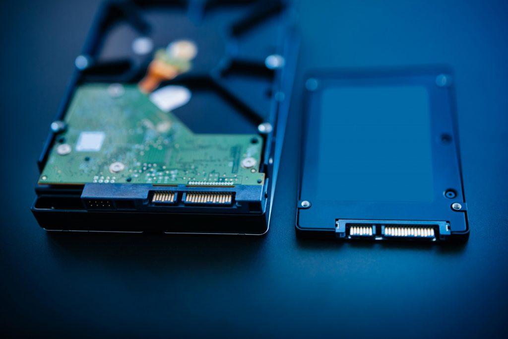 هارد SSD و تفاوت آن با HDD